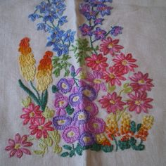Vintage Embroidery  http://assets0.folksy.com/items/377261-Vintage-Linen-Embroidered-1950-s-Tablecloth-