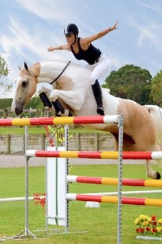"\""Free Riding\"" Jumping huge bareback Riding lot of jumping full Show Jumping Horses, Show Horses, Bareback Riding, Horse Riding, Equestrian Outfits, Equestrian Style, Equestrian Problems, Equestrian Fashion, Pretty Horses"