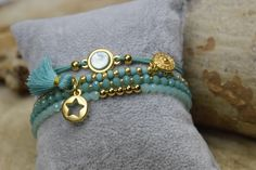 Pretty Minty Teal bracelet set, materials available on www.sparklinmoon.nl