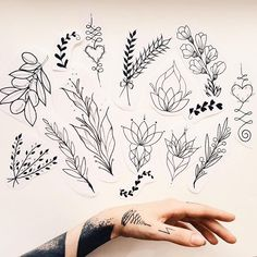 Drawing Flowers Doodles Tat New Ideas Home Tattoo, Tattoo L, Tattoo Motive, Piercing Tattoo, Piercings, Mini Tattoos, Flower Tattoos, Body Art Tattoos, New Tattoos