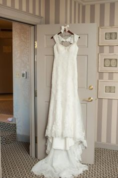 Lace Bridal Gown | DC Old Ebbitt Grill Wedding | Sarah Houston Photography