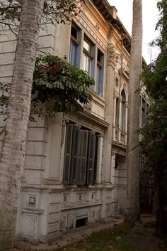 Peru - Lima 046 - exploring Barranco's waning architectural legacy by mckaysavage, via Flickr
