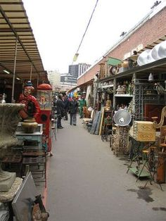 For antique lovers, deal finders and shoppers of all kinds, the immense flea markets of Paris are a treasure trove of unique finds, quirky items, one-of-a-kind junk and cherished treasures you are sure not to be able to find anywhere else in the world.