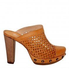 Tylko czemu taki wysoki obcas? Heeled Mules, Heels, Fashion, Heel, Moda, Fashion Styles, High Heel, Fashion Illustrations, Stiletto Heels