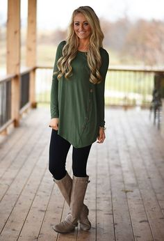 Outfits con Leggins – Moda y Estilo Sexy Shirts, T Shirts For Women, Clothes For Women, Outfits Leggins, Loose Tops, Cute Outfits, Summer Outfits, Tunic Tops, Plus Size