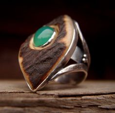 Hey, I found this really awesome Etsy listing at https://www.etsy.com/listing/174581204/deer-horn-chrysoprase-elvish-magic-ring