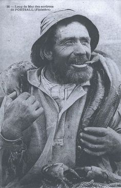 Pierre Corolleur, l'archétype même du marin-pêcheur robuste et courageux disparu en mer avec ses deux fils le 30 avril 1909.