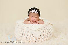 Crochet Newborn Basket, free pattern via Ravelry