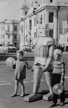 This robot normally appeared in a local Russian circus, but he was turned into a traffic controller as a stunt by his owner, Oleg Sokol, in 1967 (via Corbis)
