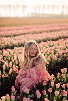 Tulip fields, Netherlands flowers tulips A Day at the Flower Fields - Barefoot Blonde by Amber Fillerup Clark Spring Photography, Photography Women, Creative Photography, Freelance Photography, Photography Flowers, Photography Magazine, Photography Tutorials, Photography Business, Beauty Photography