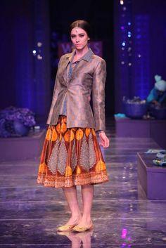 JJ Valaya. WLFW F/W 12'. Indian Couture.
