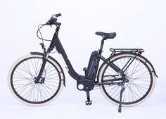 Das WEE E-Bike Quartz  ist ein klassisches City Elektrofahrrad mit niedrigem Einstieg entwickelt für Herren und Damen. Es ist hervorragend ausgestattet und kann optional auch anstatt mit der hydraulischen Scheibenbremse hinten mit einer Rücktrittsbremse bestellt werden.