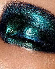 #Makeup #block #colour #color #eyeshadow