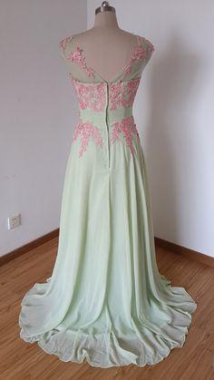 2015 V-back Sage Chiffon Long Prom Dress with Lace por DressCulture