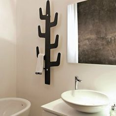 Balancing your decorating ideas Clothes Valets, Cactus Decor, Bathroom Towels, Bathroom Inspiration, Bathroom Ideas, Cacti And Succulents, Wood Design, Bathroom Accessories, Furniture Design