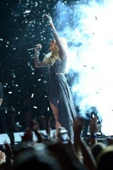 Carrie Underwood's vocal is no match for tornado at CMA Awards