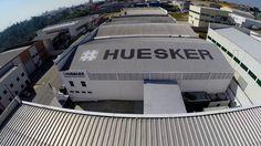 Roteiro desenvolvido para a realização do vídeo institucional da Huesker pela Produtora 7DB.