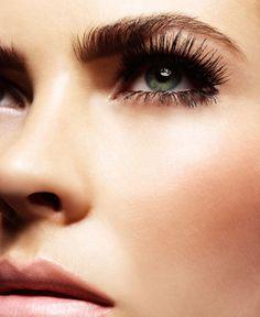 Beauty tips: come applicare le ciglia finte