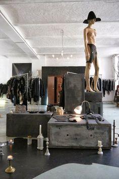 Vosgesparis: X X X BERLIN   Black Fashion Multi-Label store
