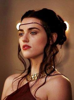 Merlin - Season 1 Episode 1 Still morgana Morgana Le Fay, Merlin Morgana, Merlin And Arthur, Katie Mcgrath, Jacqueline Fernandez, Crystal Reed, Hereford, Jennifer Lawrence, Pretty People