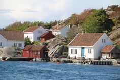 Norway, Coast, Mansions, House Styles, Places, Home Decor, Mansion Houses, Homemade Home Decor, Lugares