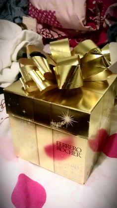 Ferrero Rocher® Golden Gift VoxBox from Influenster!!   Loveeeee, love, loveeeee the packaging, so golden and cute :)
