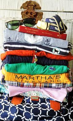 Summer Essentials - Martha's Vineyard - Ray Ban Wayfarer - Vineyard Vine's whale belt