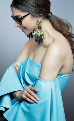 Deepika Padukone is rightly called Bollywood's reigning queen bee. All of the gorgeous actress has managed to conquer Bollywood with her outstanding… Bollywood Girls, Indian Bollywood, Bollywood Stars, Bollywood Fashion, Bollywood Actress, Hindi Actress, Indian Celebrities, Bollywood Celebrities, Beautiful Indian Actress