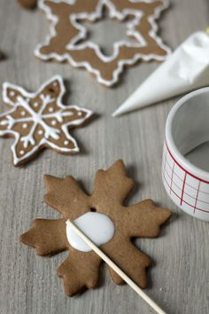 Jak zrobić lukier? Jak dekorować pierniki? Gingerbread Cookies, Christmas, Winter, Food, Gingerbread Cupcakes, Xmas, Winter Time, Essen, Navidad