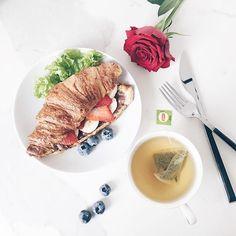 Hello Friday! ✌🏼️ . #hello#friday#goodmorning#goodvibes#goodvibesonly#goodday#breakfast#tea#croissant#food#foodporn#foodphotography#foodgasm#foodstagram#foodpics#foods#foodlover#foodie#vsco#vscocam#vscogood#vscogrid#vscogram#vscoph#vscophile#vscodaily#instafood#instamood#instagram#instacool