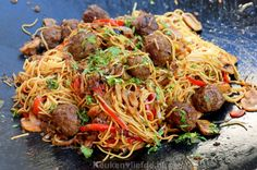 Best Camping Food Ideas No Refrigeration Info Quick Healthy Meals, Healthy Recipes, Mie Noodles, Best Camping Meals, Go For It, Dutch Recipes, International Recipes, No Cook Meals, Pasta Recipes