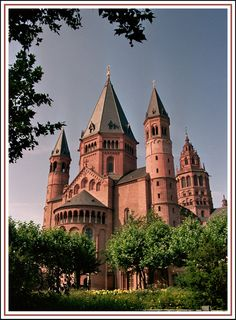 Mainz Cathedral, its on the way to my Dr's office so we go by a lot. The gardens are beautiful and the church is breathtaking.