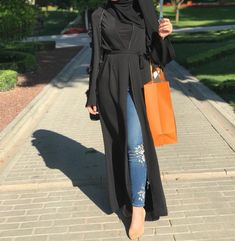 Pinterest: just4girls Muslim Women Fashion, Modern Hijab Fashion, Islamic Fashion, Abaya Fashion, Fashion Outfits, Casual Hijab Outfit, Hijab Dress, Mode Abaya, Modele Hijab