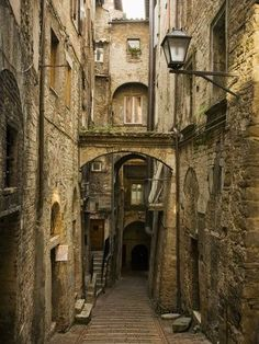 Medieval Street in Perugia (Umbria, Italy) by David Sutherland Medieval Town, Medieval Fantasy, Umbria Italy, Perugia Italy, Old Buildings, Abandoned Places, Places To Go, Beautiful Places, Scenery