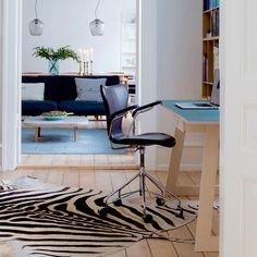 SkabRum, Desk made of plywood and linoleum #desk #office #plywood #linoleum #danishdesign #skabrum