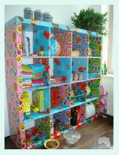 Ikea-kast met Kitsch Kitchen tafelzeil. Cupboard with oilcloth. #ikeahack