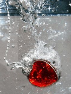 RED HEART NECKLACE(COLOR-CHANGING GIF)