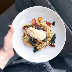 Hepp! Quinotto är en av mina favoritvardagsrätter 👍 Vilka är dina? Veggie Recipes, Risotto, Food And Drink, Veggies, Pizza, Ethnic Recipes, Food, Vegetable Recipes, Vegetables