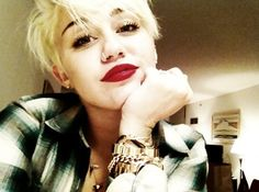 Miley Cyrus - I just love her new haircut!!