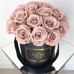 Imagem de rose, bouquet, and pink Luxury Flowers, My Flower, Fresh Flowers, Pretty In Pink, Beautiful Flowers, Pink Flowers, No Rain, Flower Boxes, Girly Things