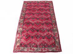 www.aksaraycarpet.com #carpet #rug #vintage #handmade #handwoven #etsy #çintemani Turkish Chintemani Design Vintage Rug      73 x 42