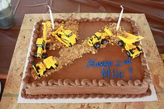 Milo loves tractors, so it was only natural that we throw him a tractor-themed birthday party. THE INVITE: I designed the invitation in Pages (I design everything in Pages…) and added some a free clip art tractor and cones … Construction Birthday Parties, Boy Birthday Parties, Birthday Fun, Birthday Ideas, Construction Theme, Cake Birthday, Homemade Birthday Cakes, Homemade Cakes, Tractor Birthday Cakes