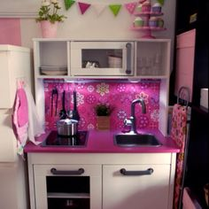 Bellas mini kitchen