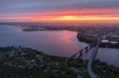La rade de Brest voit le soleil se coucher, la Bretagne comme on l'aime. Le Finistère.  Finistère Bretagne
