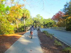 For a getaway on beautiful Hilton Head Island that's as relaxed or as active as you like, Palmetto Dunes Oceanfront Resort—with its world-class golf and tennis, beautiful beaches, and variety of on-site restaurants—is a solid choice.  One of the best things about this sprawling resort are the flat bike paths that lead everywhere. Families will love pedaling to the beach, restaurants, and little general store that sells groceries, sundries, newspapers, penny candy and ice cream.