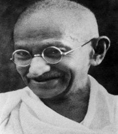 Gandhi teoria e pratica della non-violenza