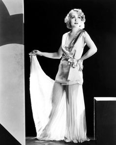 Carole Lombard in Safety in Numbers (1930)