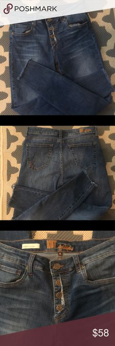 KUT from the KLOTH Jeans Button fly, 5 Pocket Construction,Skinny Ankle Cropped , Raw edge trim. 9 Inch Rise,Inseam 26.5 (76% Cotton, 19% polyester,3% rayon 2% spandex) Kut from the Kloth Jeans Ankle & Cropped