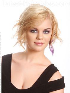Short Blonde Piecey Casual Cut