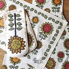 Sunflower Double Oven Gloves